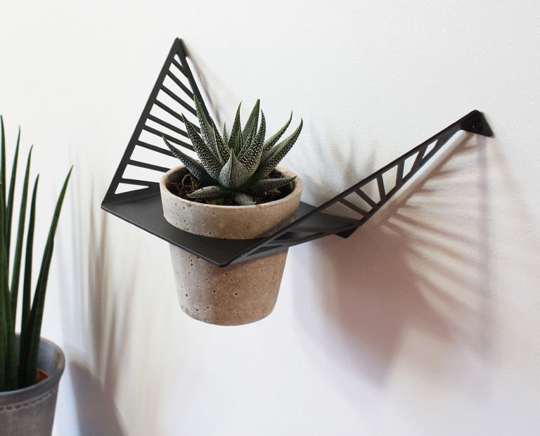 Plant hanger from by dyb
