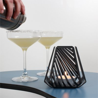 Tealight candleholders – LYSESTAGEN from BY DYB in the pattern Line to a dinner party