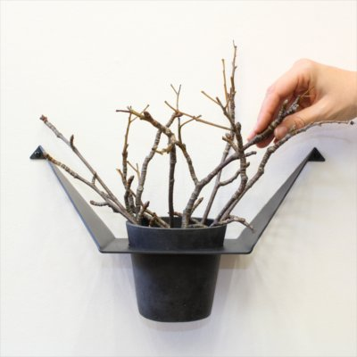 Christmas styling of your plant hanger from BY YDB – Placing branches