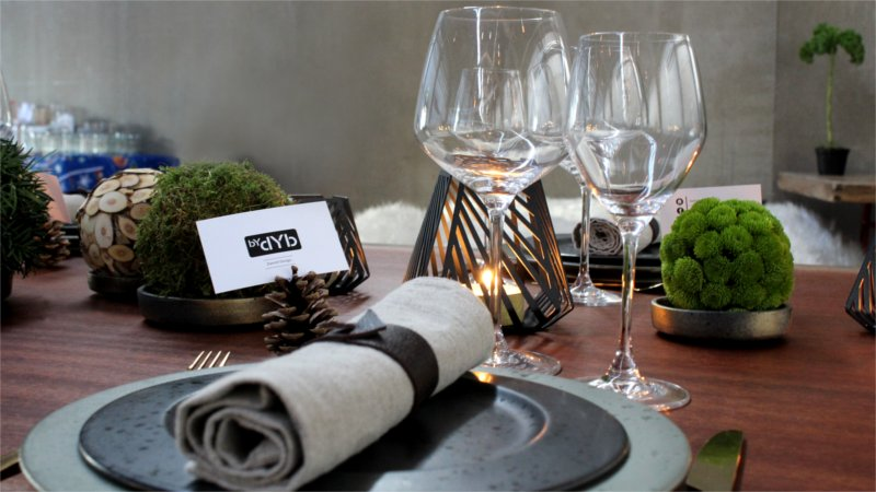 Inspiration for your Christmas table with BY DYB: Wineglasses used for setting the Christmas table with
